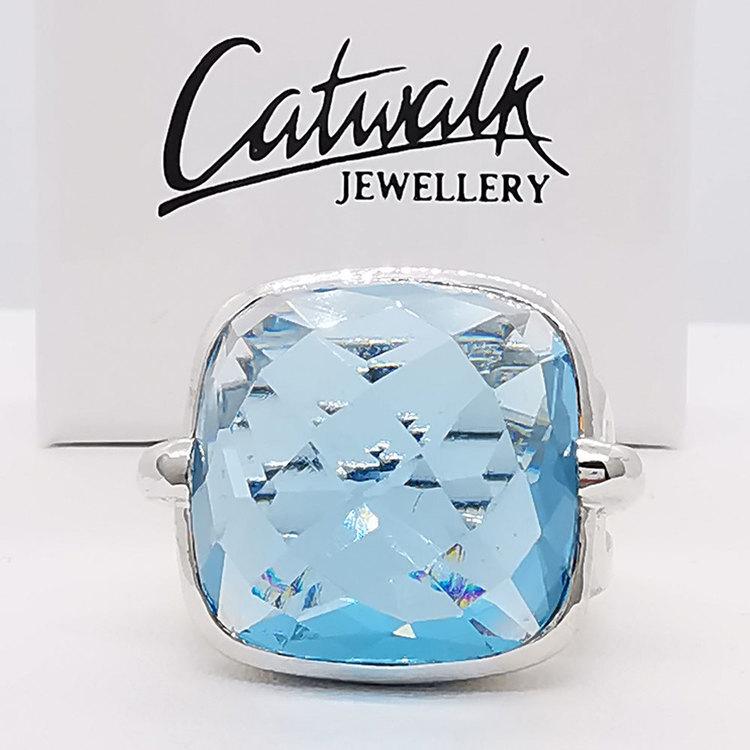 snygg ring AQUA i 925 silver från Catwalk Jewellery