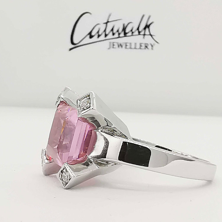 Ring Square Pink Sparkling Silver