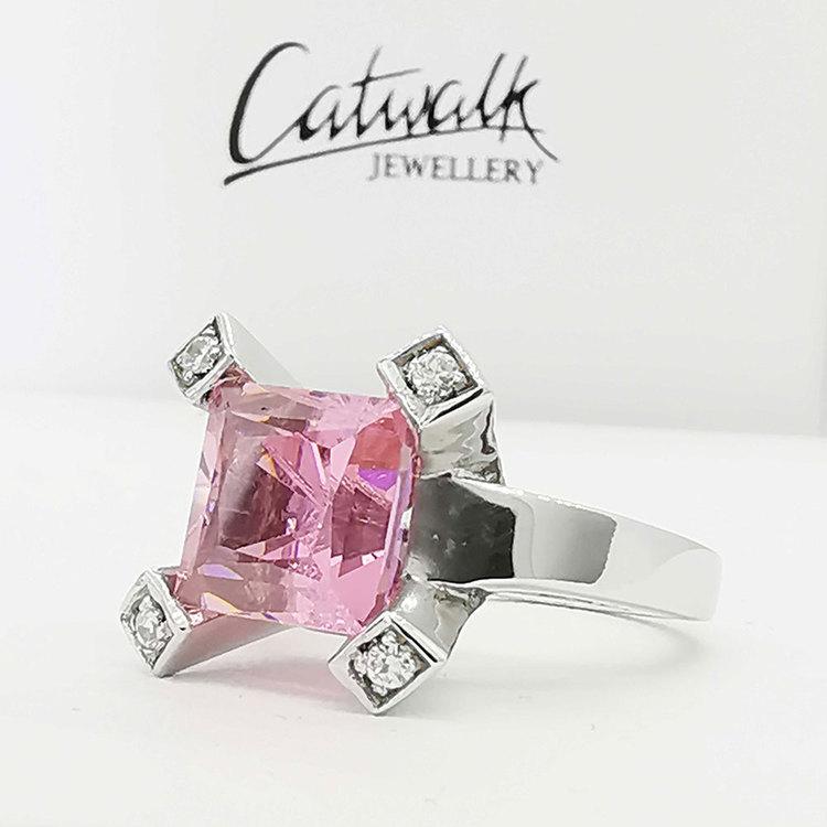 Fyrkantig ring [PINK]med rosa och vita cz-stenar i 925 silver