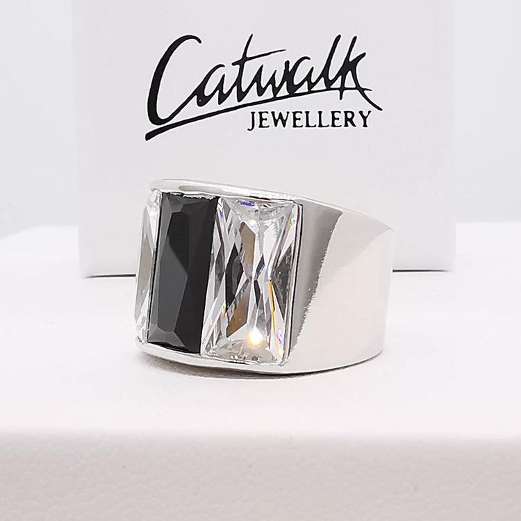 stilren ring BLACK AND WHITE i silver från Catwalk Jewellery