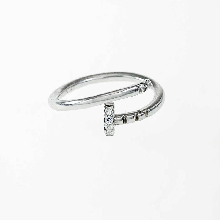 Ring [SPIKE] med gnistrande cz-stenar i rhodinerat 925 silver