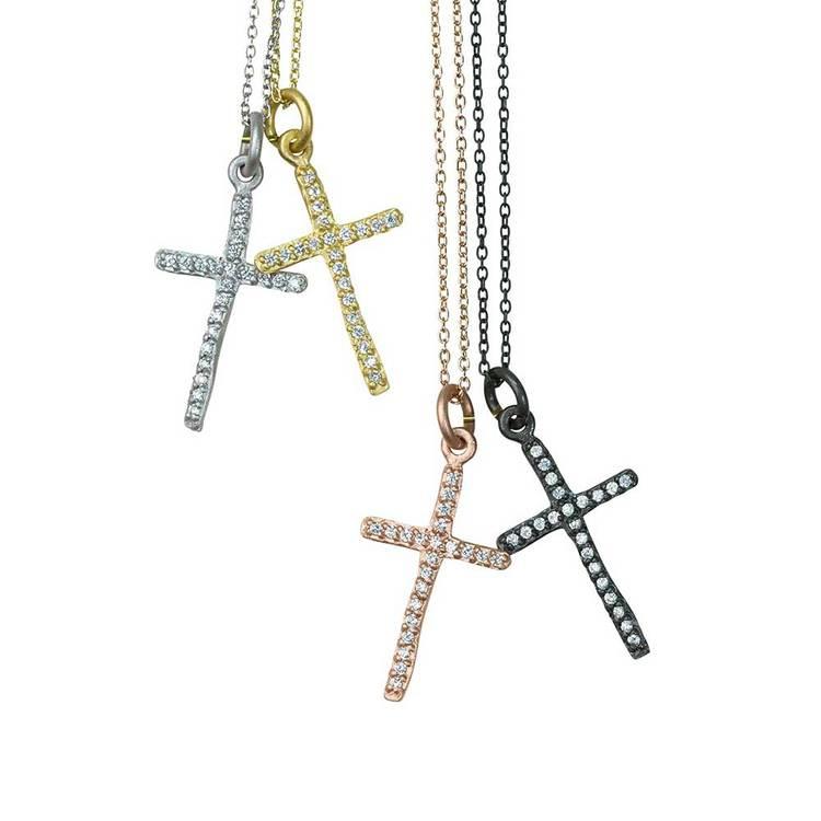 Kors i silver med cz-stenar