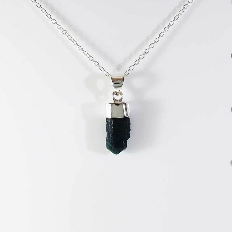"Halsband med ""Apatite""-ädelsten - 40+5 cm extension"