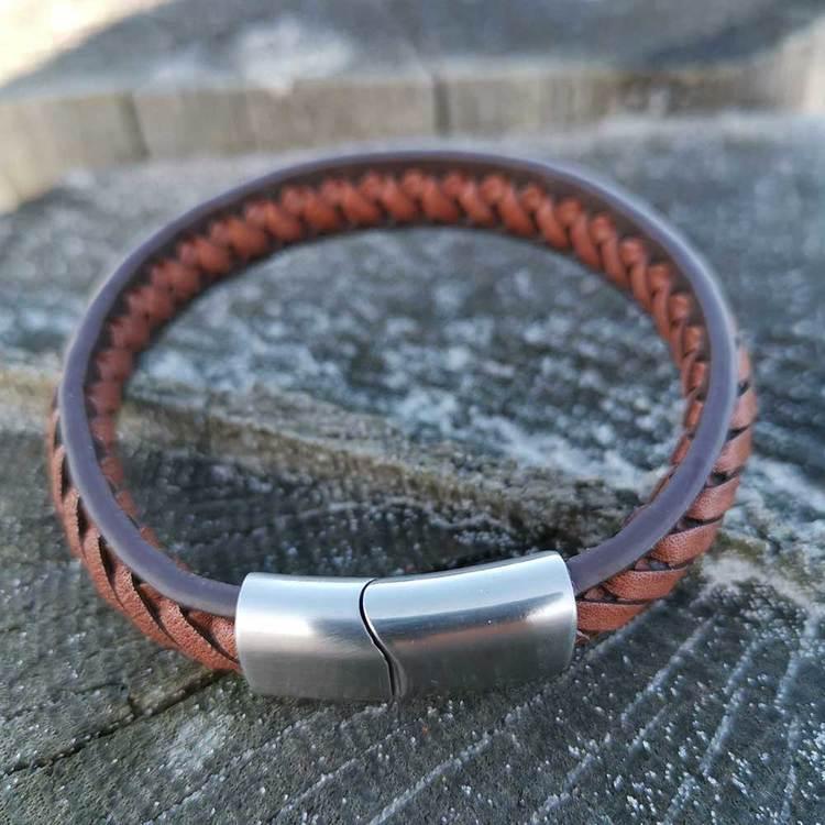 Läderarmband flätat med steel-lås - Brunt