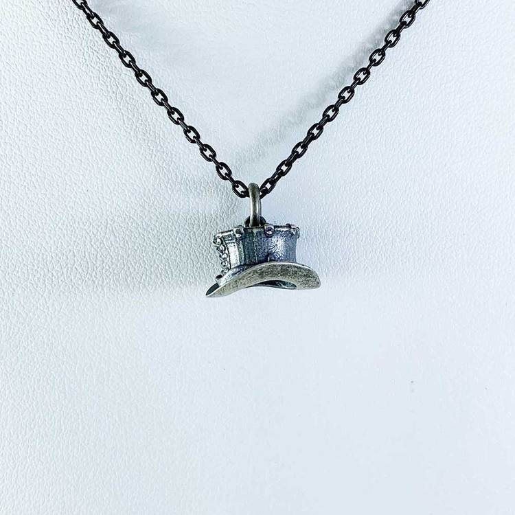 Hänge [HAT] i oxiderat 925 silver