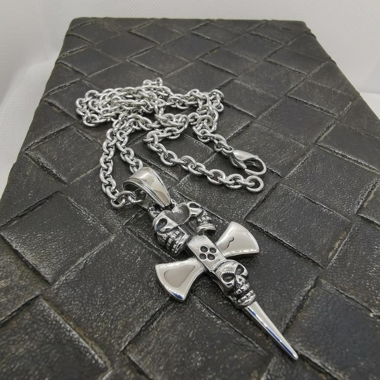 Steelhänge Skull Axe - inkl. 60 cm kulkedja