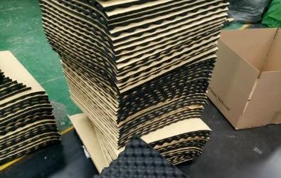Ljudisolering från SilentSwede® Egg. Tillverkning och förpackning.