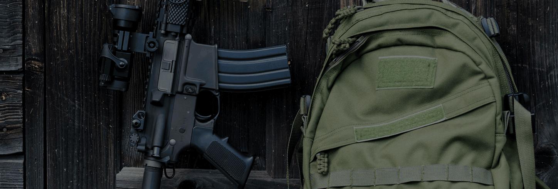 Här finner ni alla våra taktiska ryggsäckar som är framtagna och anpassade  för olika uppdrag. Exempelvis lite större ryggsäckar som rymmer det mesta  såsom ... e565c407f0db1