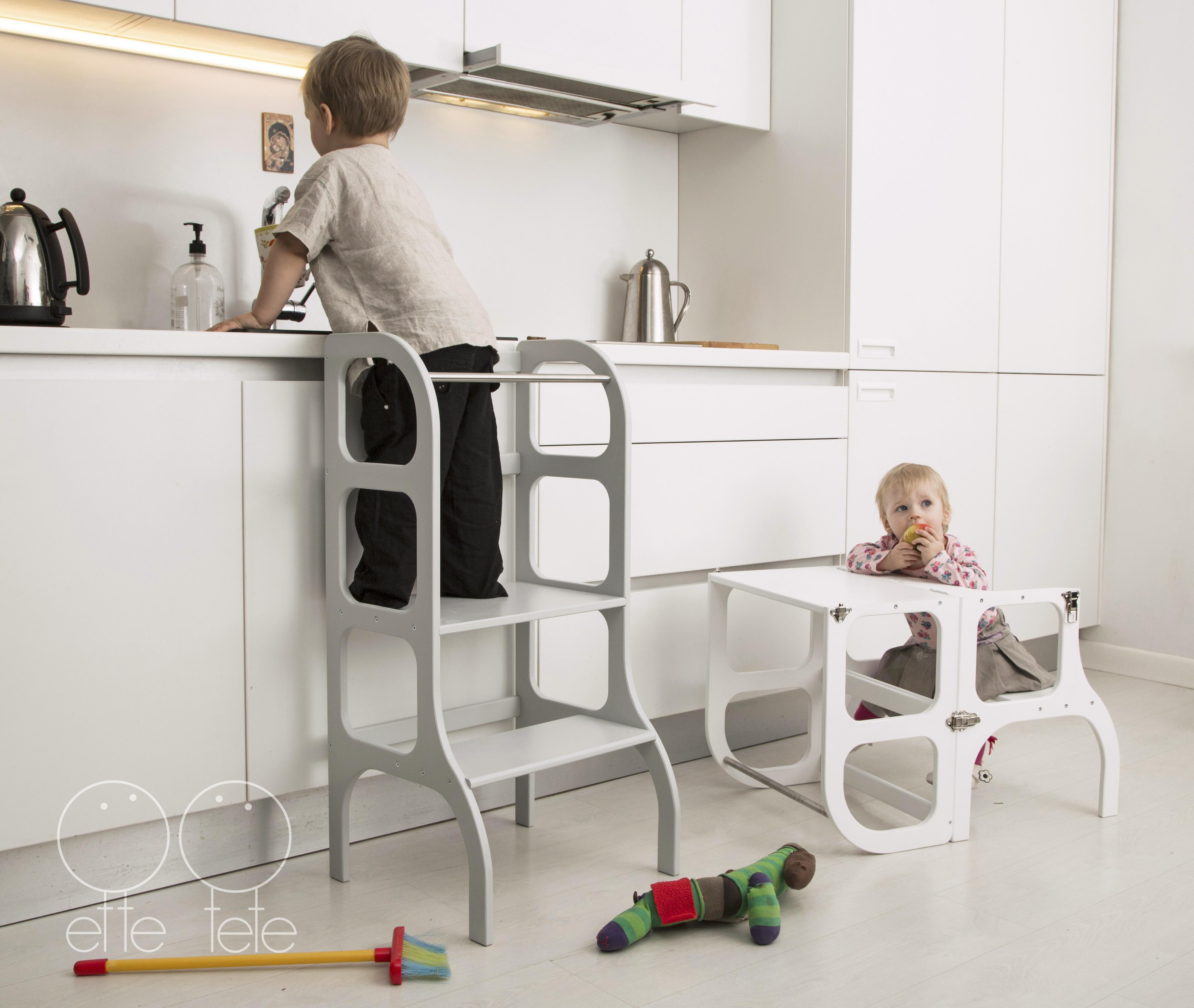 Stegpall för barn i grått och vitt