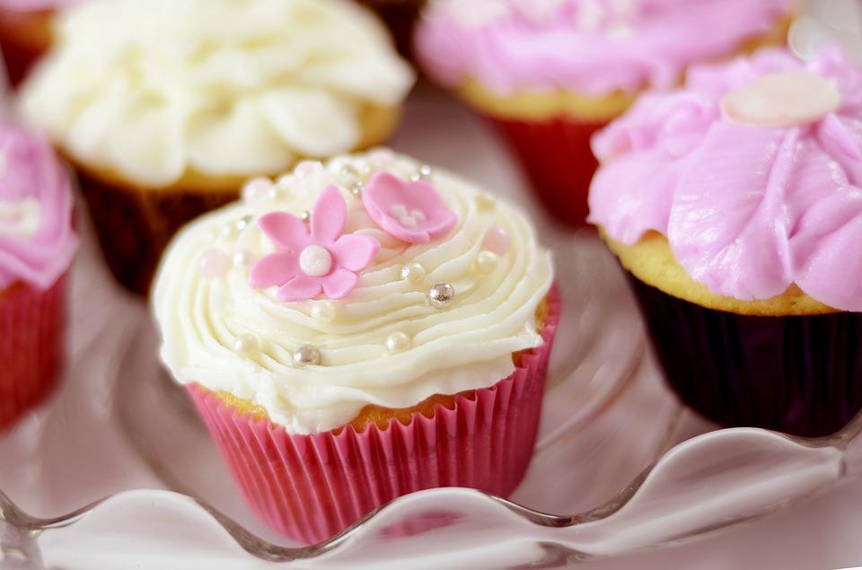 Mat och dryck till baby shower - cup cakes