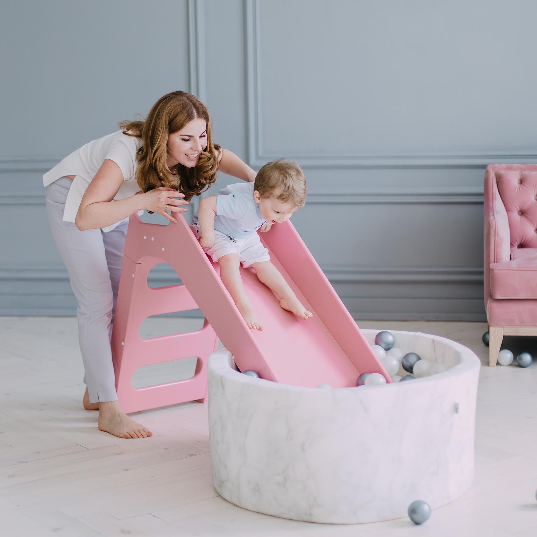 Leksaker för ettåringar rosa rutschkana i trä för inomhus