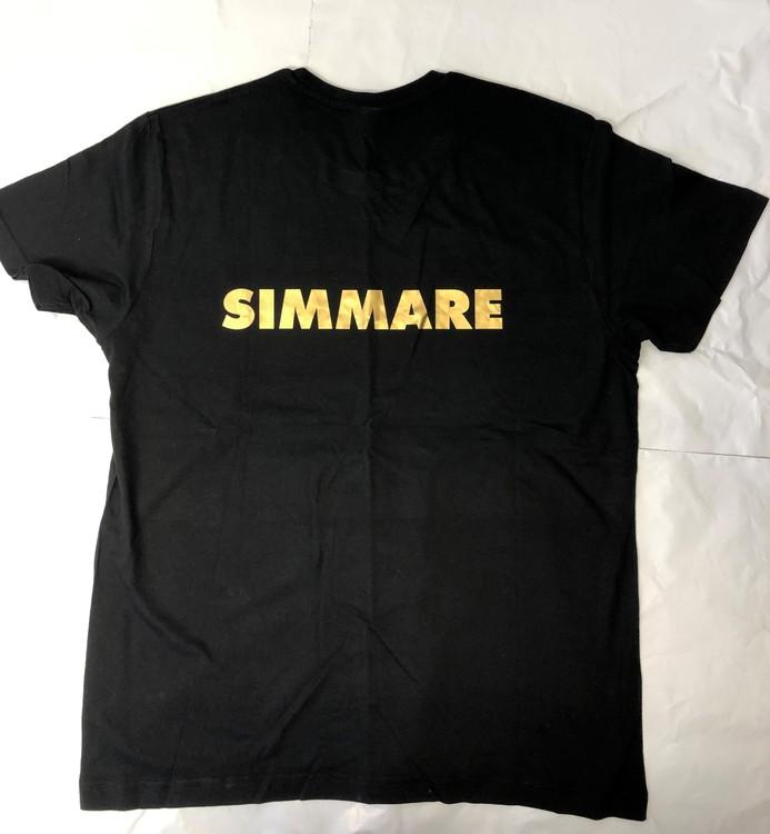 """T shirt med """"SIMMARE"""" på ryggen"""