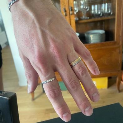Hamrad ring i återvunnet silver