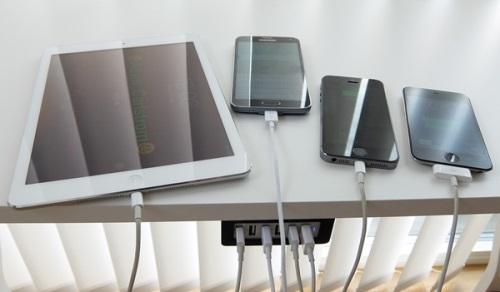 Fäste för Anker PowerPort 6 mobilladdare