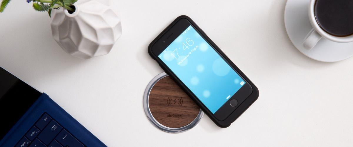 Aircharge iPhone 6/6s MFi Qi trådlös laddningsskal på trådlös laddare