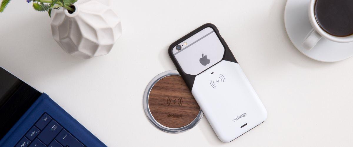 Aircharge iPhone 6 Plus / 6s Plus MFi Qi trådlös laddningsskal på trådlös laddare