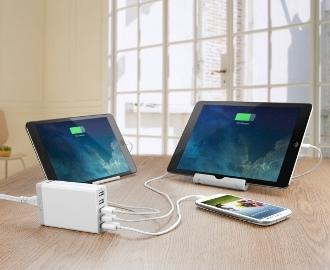 Anker PowerPort 6 mobilladdare med 6 uttag som laddar iPhone, iPad och andra telefoner