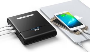 RAVPower PowerStation 27000mAh powerbank med 220V eluttag