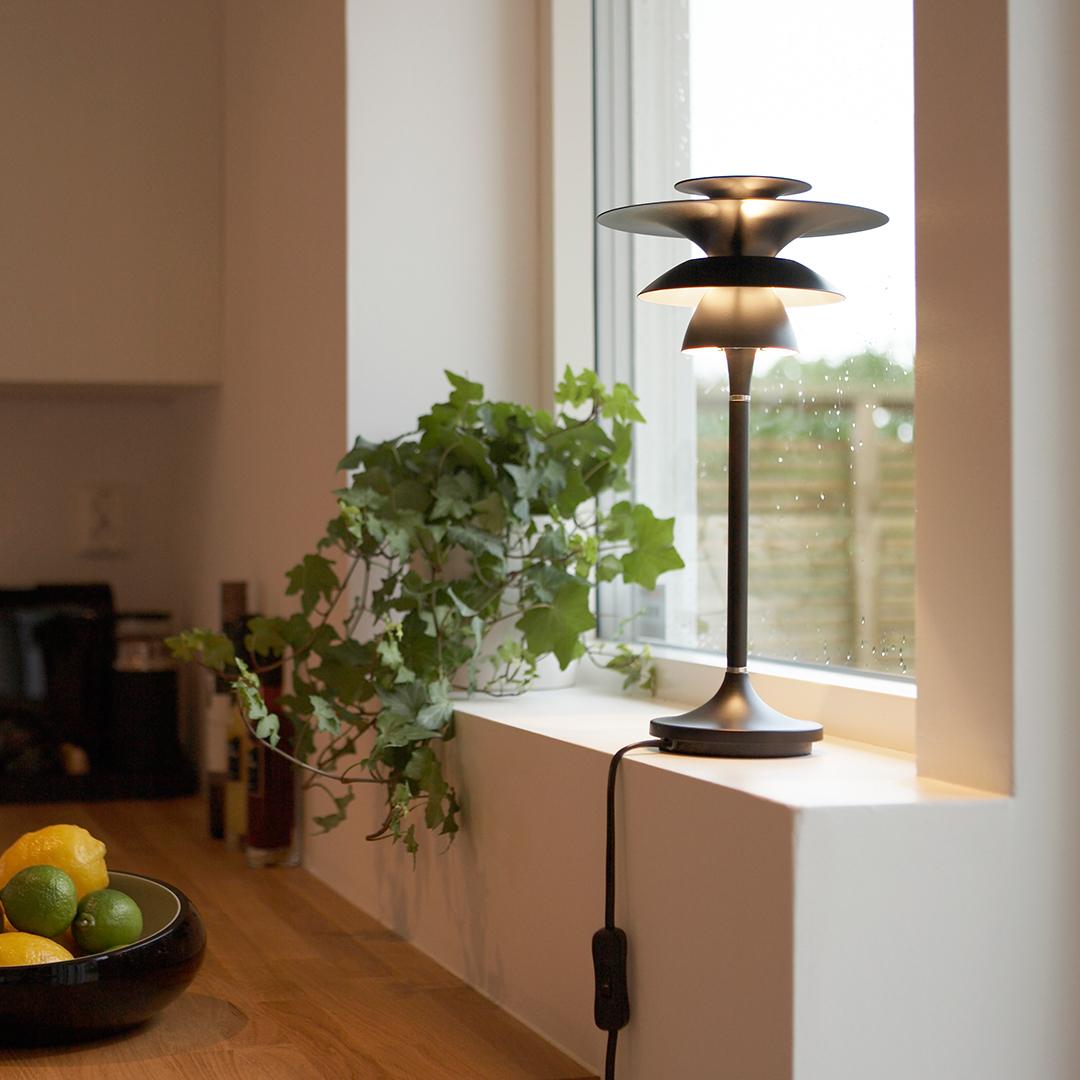 Picasso, designad bordslampa från Belid
