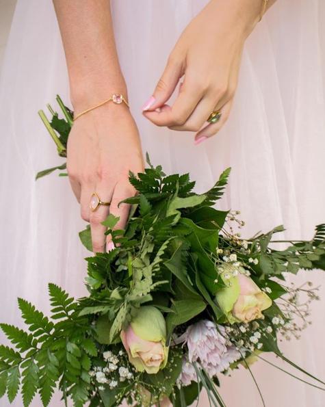 brudbukett med smycken star of sweden