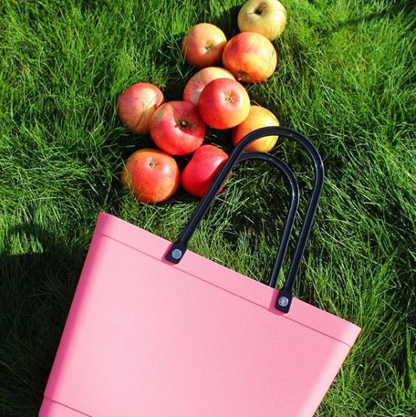 äpplen i väska perstorp design