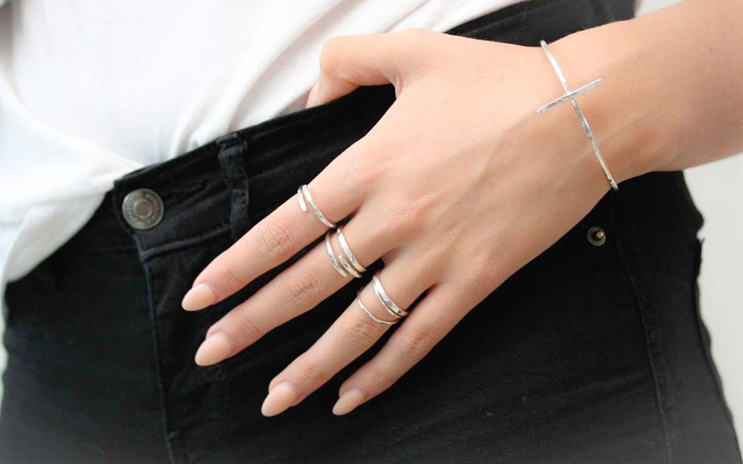 Hållbara och handgjorda smycken
