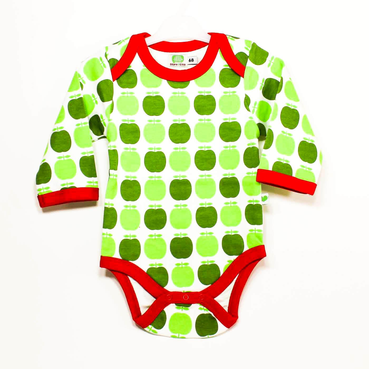 Sture & LIsa, babykläder motiv Äpplen.