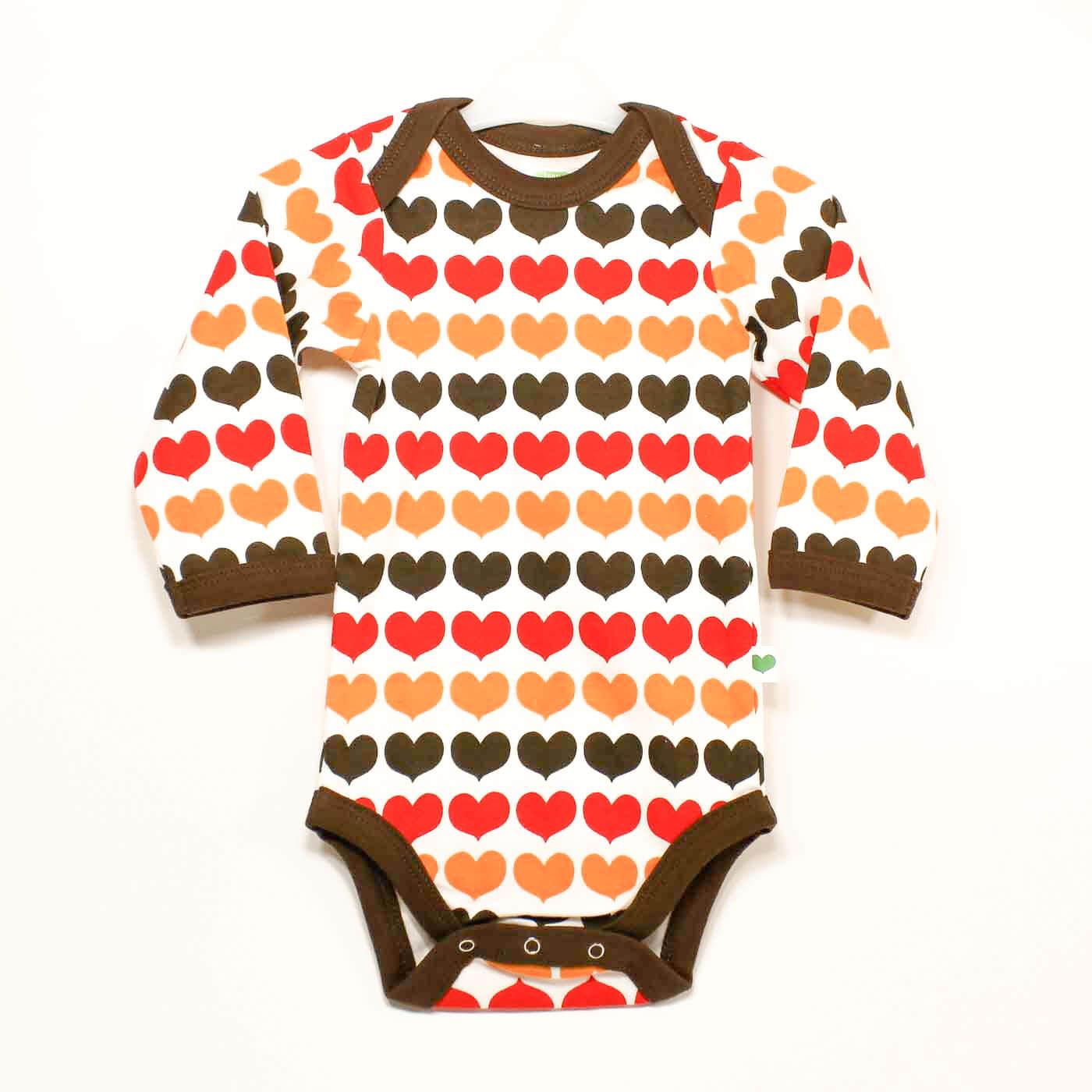 Sture & LIsa, babykläder motiv Hjärtan.