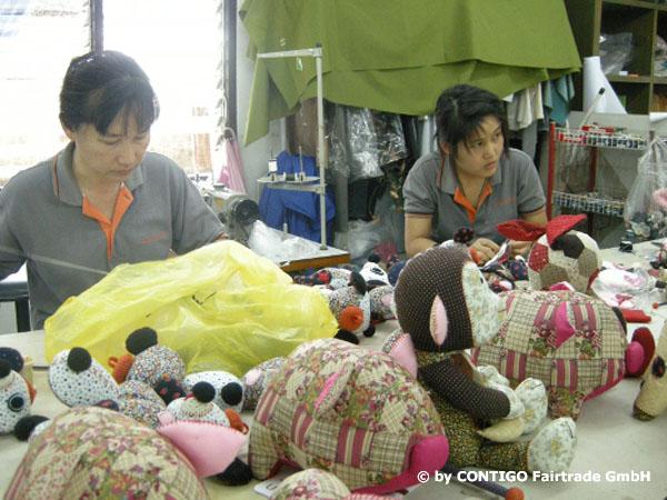 Företaget Nook Nook i Thailand samarbetar med Contigo i Tyskland enligt Fair Trade.