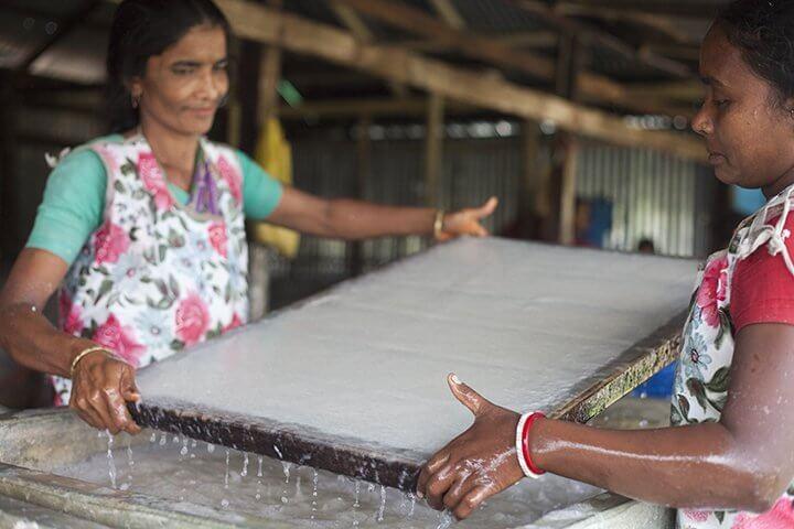 Biborton Handmake Paper i Bangladesh- ett Fair Trade-företag.