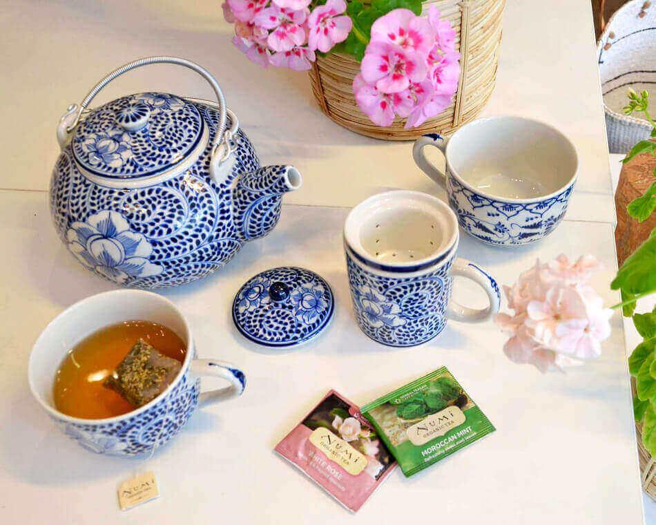 Schysst frukost med Teservice tillverkade för Fair Trade.