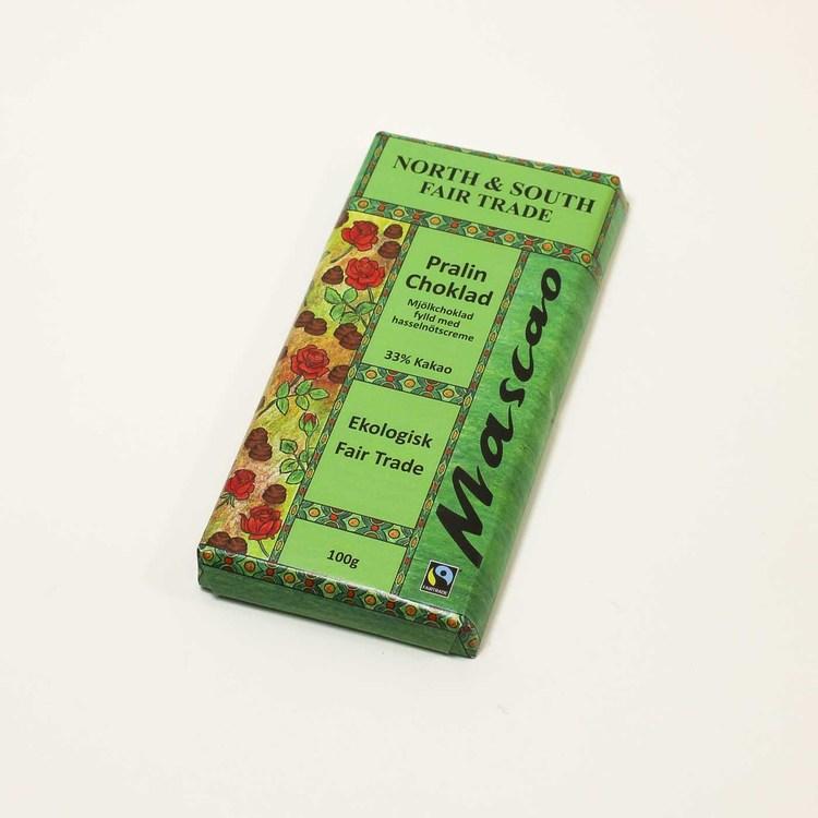 Mascao pralinchoklad med hasselnötscreme. Utan emulgeringsmedel. Ekologisk & Fairtrade.
