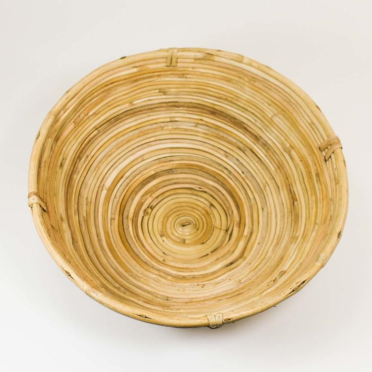 Rund korg av rotting som används till jäsning av bröd. Bild tagen från ovan.