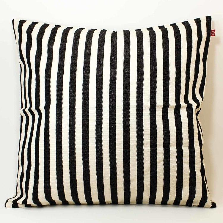 Kuddfodral 'Donia' svart, vävt mönster