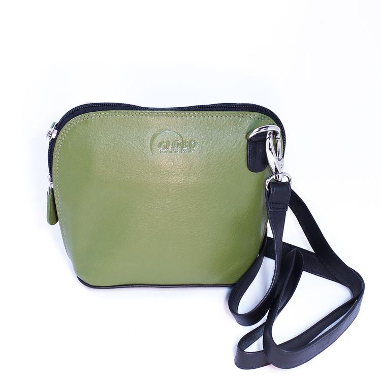 axelremsväska, milt grön fram &, svart bak, i fint nappaläder. Praktiska detaljer, hög kvalitet. Fair Trade, Artisan Well , Indien