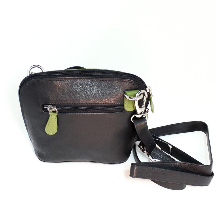 axelremsväska, milt grön & svart, i fint nappaläder, oxskinn. Här den svarta baksidan, fack med dragkedja. Fair Trade, Artisan Well , Indien