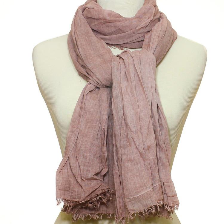 Lång & bred sjal i tunn krinklad bomull. Scarfen har rosa/beige nyanser. Handvävd halsduk i Indien. Kanterna är något fransiga.