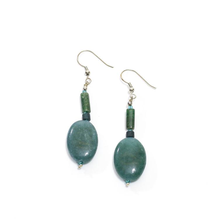 Vackert örhänge i grön jade & agat. Indiskt smycke, Fair Trade.
