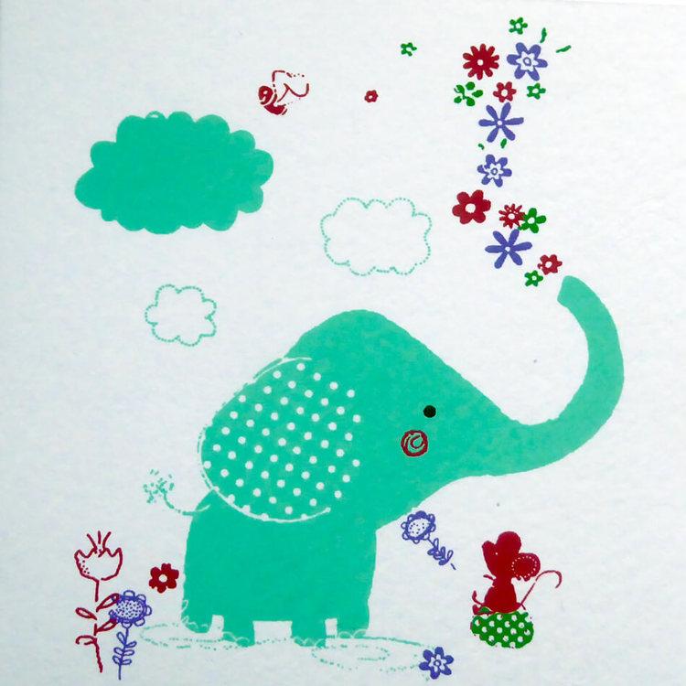 Brevkort i kraftigt, vitt bomullspapper. Roligt motiv elefant och mus. Ett glatt hälsningskort till barn. Handgjort.