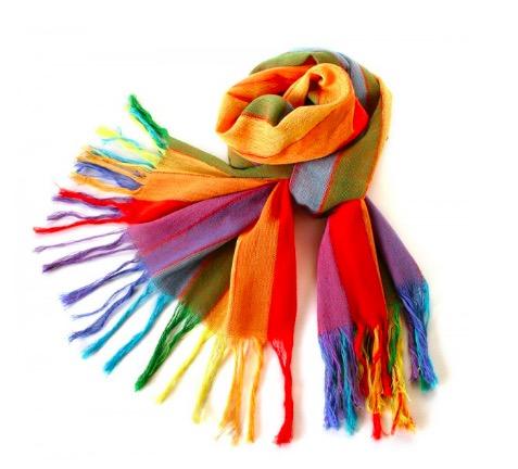 Stor färgglad sjal i regnbågens färger i handvävd bomull. Från Ecuador. Fair Trade.