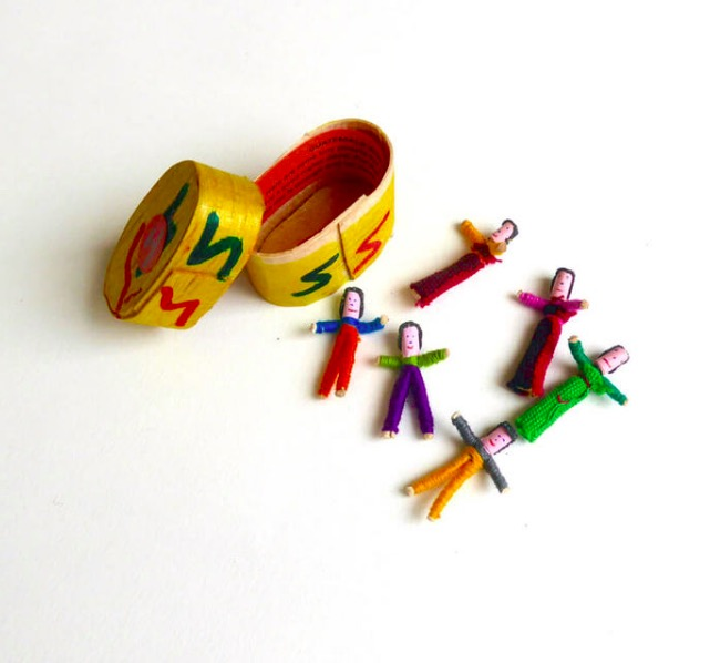 Bekymmersdockor, Worry Dolls, 6 små dockor, träask