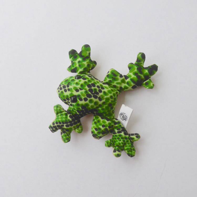 Sanddjur, liten groda med camouflage fläckmönster. Rolig maskot, leksak eller present. Fair Trade.