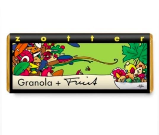 Zotter Granula fruit, handgjord pralinkaka med kokospralin & passionsfruktbitar, inbäddad i mörkchoklad. Vegansk, ekologisk, Fair Trade.