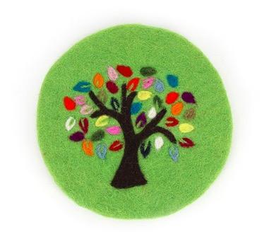 Handtovad, runt underlägg med motiv Livets träd. Fsir Trade från Nepal.