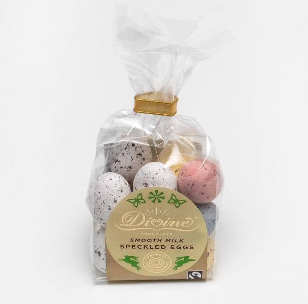 Divine små påskägg mjölkchoklad i krispigt sockerskal i olika färger. Fair Trade.