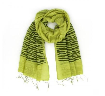Sjal, scarf i ljusgrön färg med zebra-mönster. Material viskos & siden. Handvävd för Fair Trade.