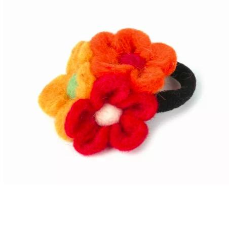 """Hårsnodd, hårband """"Tre blommor"""", tovad"""