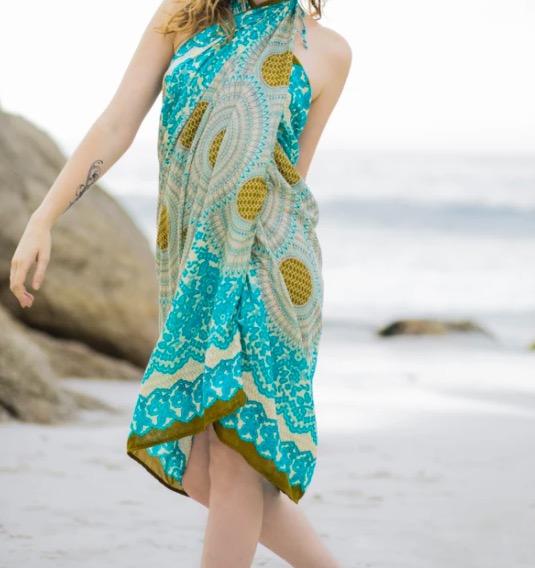 Vacker strandklädsel, sarong med Mandala-motiv. Härlig sommarkänsla. Fair Trade från Thailand, paigh.