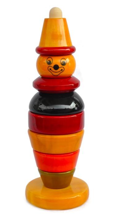 Stapelsorterare, en figur i trä, med naturliga färger, 8 rörliga delar. Fair Trade.