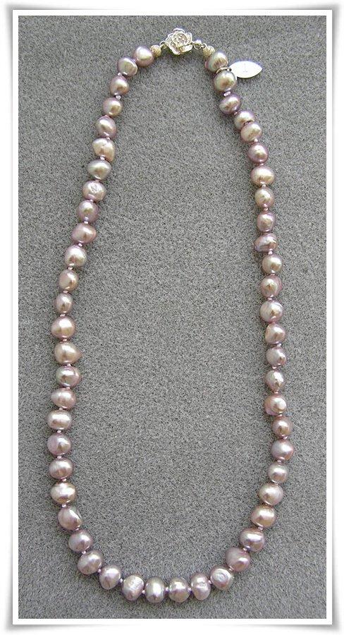 Halsband med sötvattenspärlor (061)